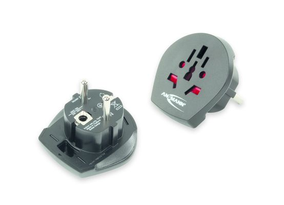 Travel Plug World to EU