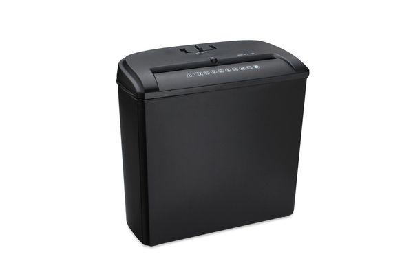 PAPER SHREDDER X5 WITH CD/ DVD/ CREDIT CARD SLOT IN