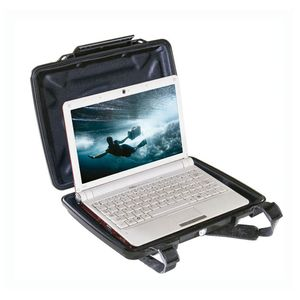 PELI 1075 Notebook Hardback Case m foam, svart (1070-000-110E)