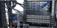 APC KVM-SWITCH 8-PORT MULTI-PLATTFORM ANALOG NS (AP5201              )