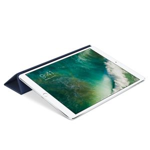 APPLE IPAD PRO 10.5IN LEATHER SMART COVER MIDNIGHT BLUE              IN ACCS (MPUA2ZM/A)